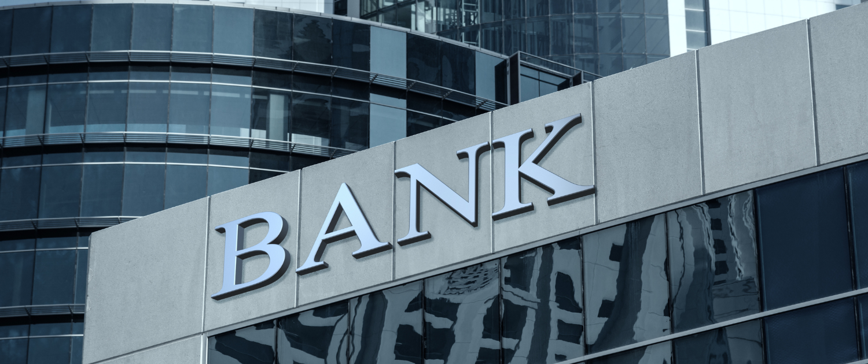 Ansicht Bankgebäude - Schriftzug Bank